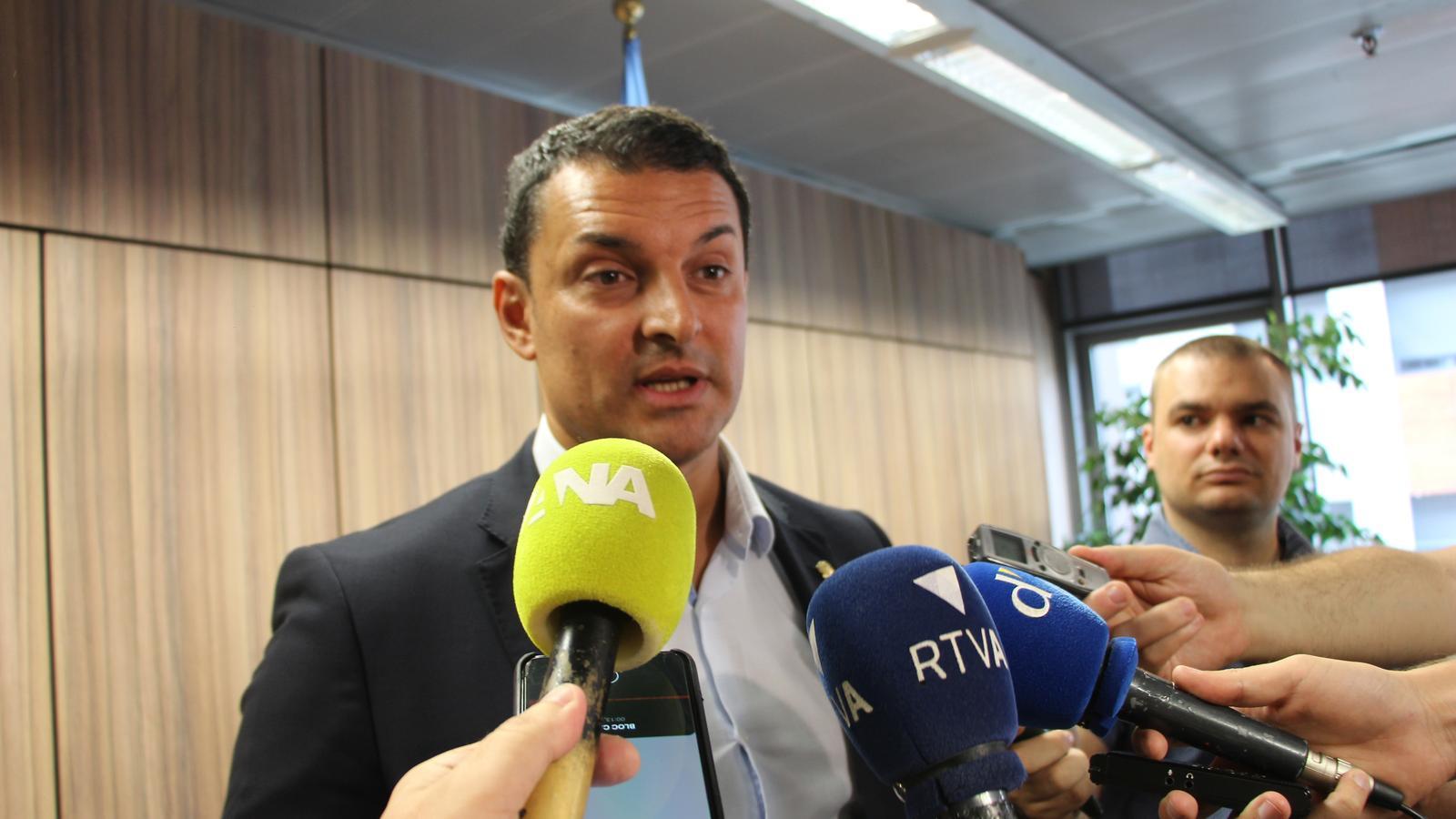 Moment de les declaracions de Jordi Gallardo, ministre de la Presidència, Economia i Empresa. / C. A.