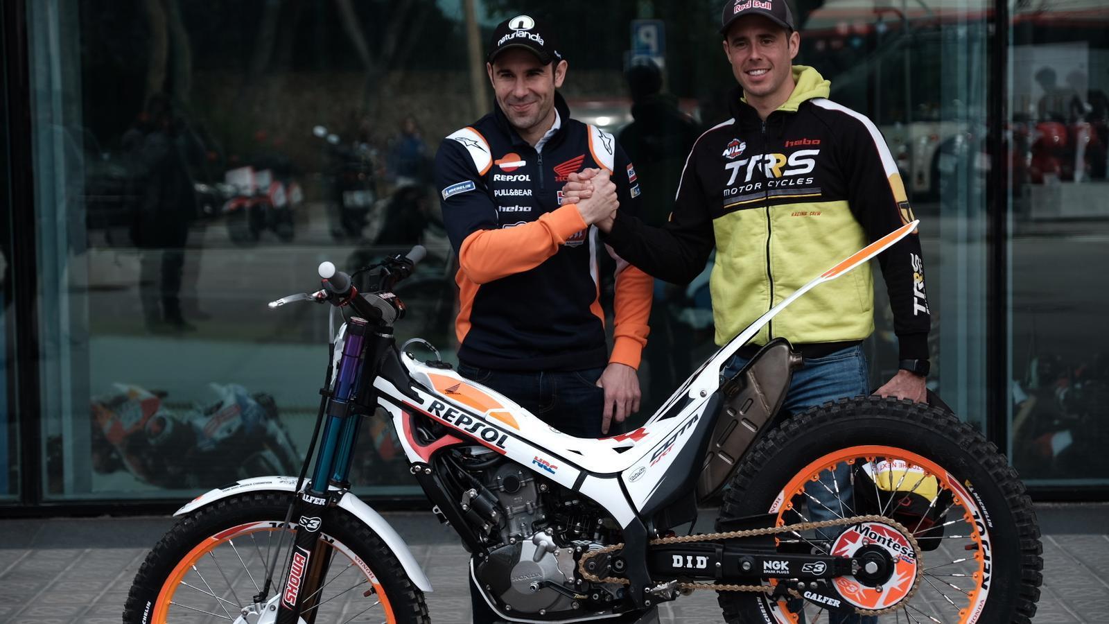 Els pilots Toni Bou i Adam Raga, dos dels protagonistes del trial 'indoor' de Barcelona