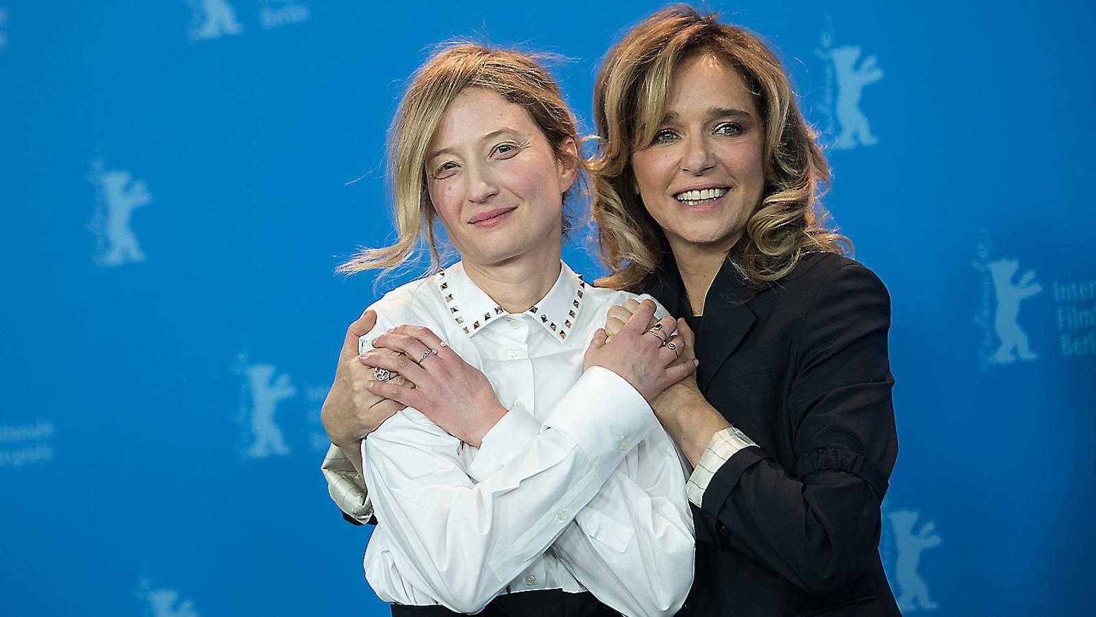 Les actrius Alba Rohrwacher i Valeria Golino, protagonistes de Figlia mia, ahir a Berlín.