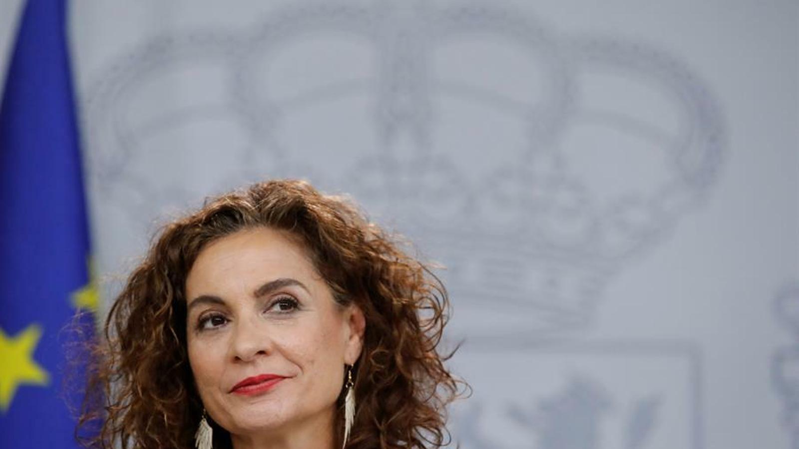 La portaveu del govern espanyol i ministra d'Hisenda, María Jesús Montero, durant la roda de premsa posterior al consell de ministres d'aquest dimarts.