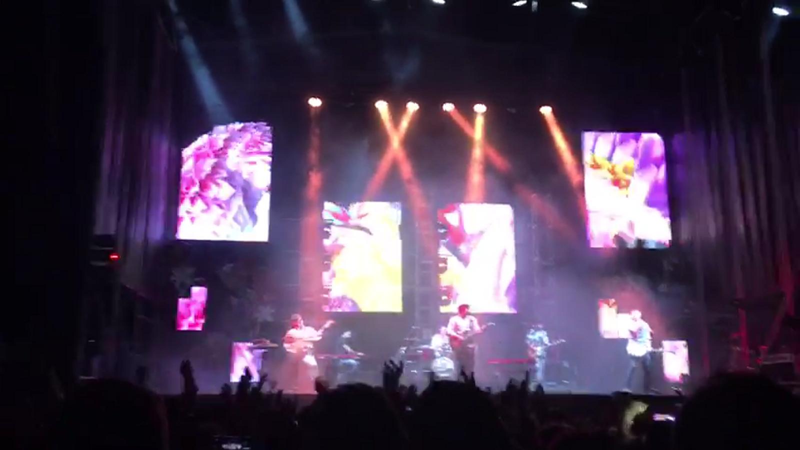 Vídeo del tall de llum durant el concert de Morat