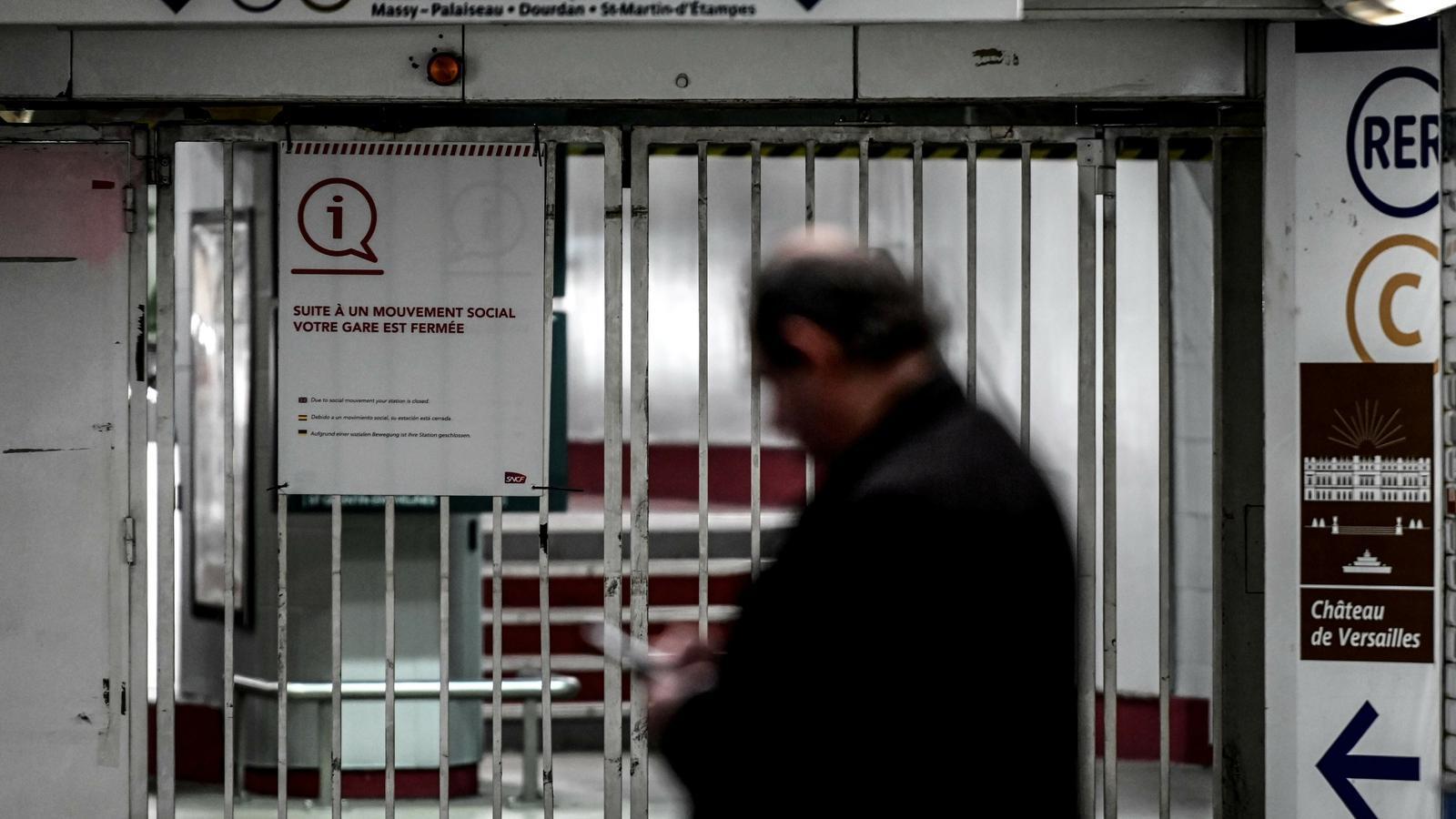 França es paralitza contra la reforma de les pensions