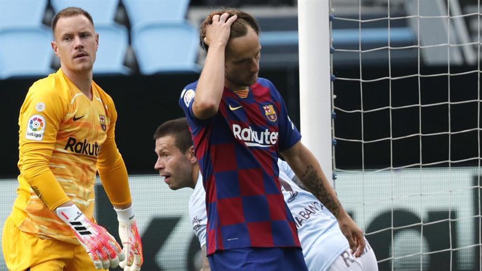 La Lliga s'escapa de les mans d'un Barça ferit (2-2)