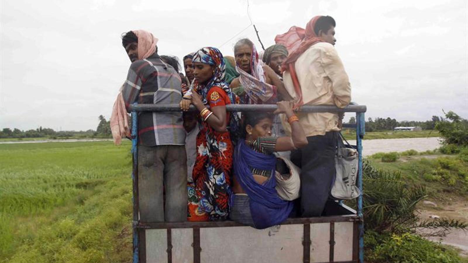 Prop de mig milió d'evacuats i cinc morts a l'Índia pel cicló Phailin
