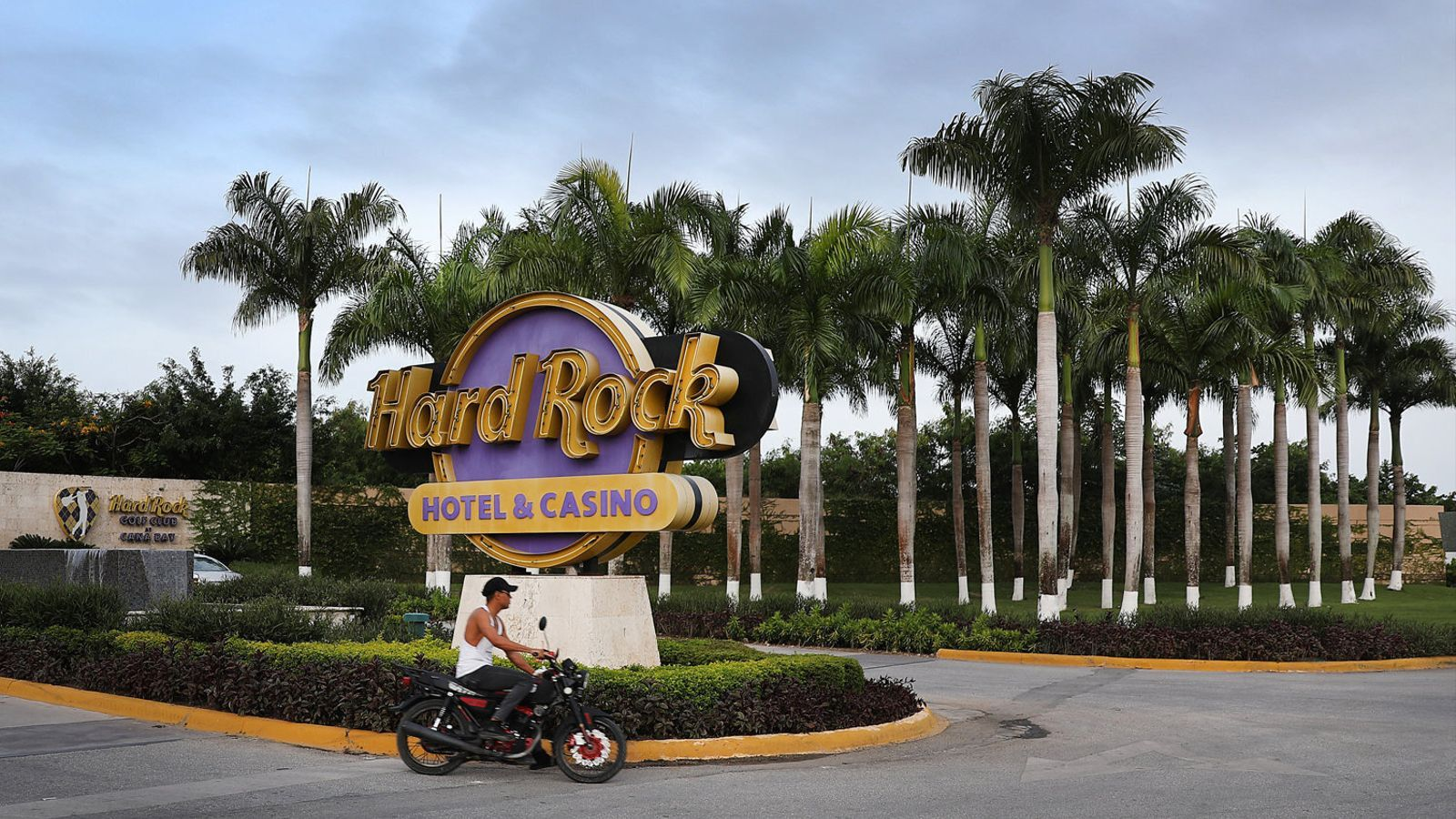 L'entrada al resort que Hard Rock va aixecar a Punta Cana en una imatge d'arxiu. / JOE RAEDLE / GETTY