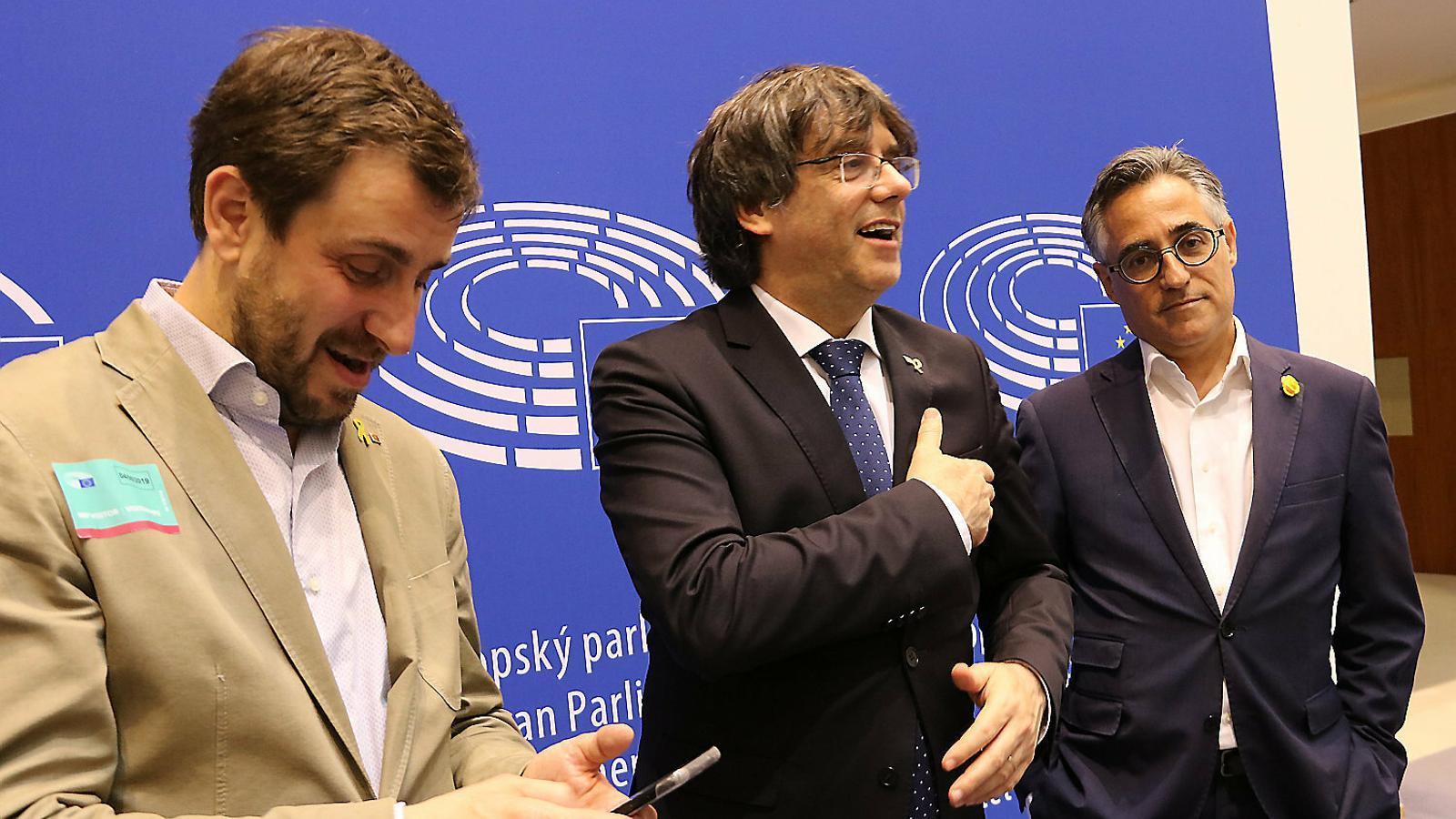 Puigdemont i Comín ahir dins del Parlament Europeu.