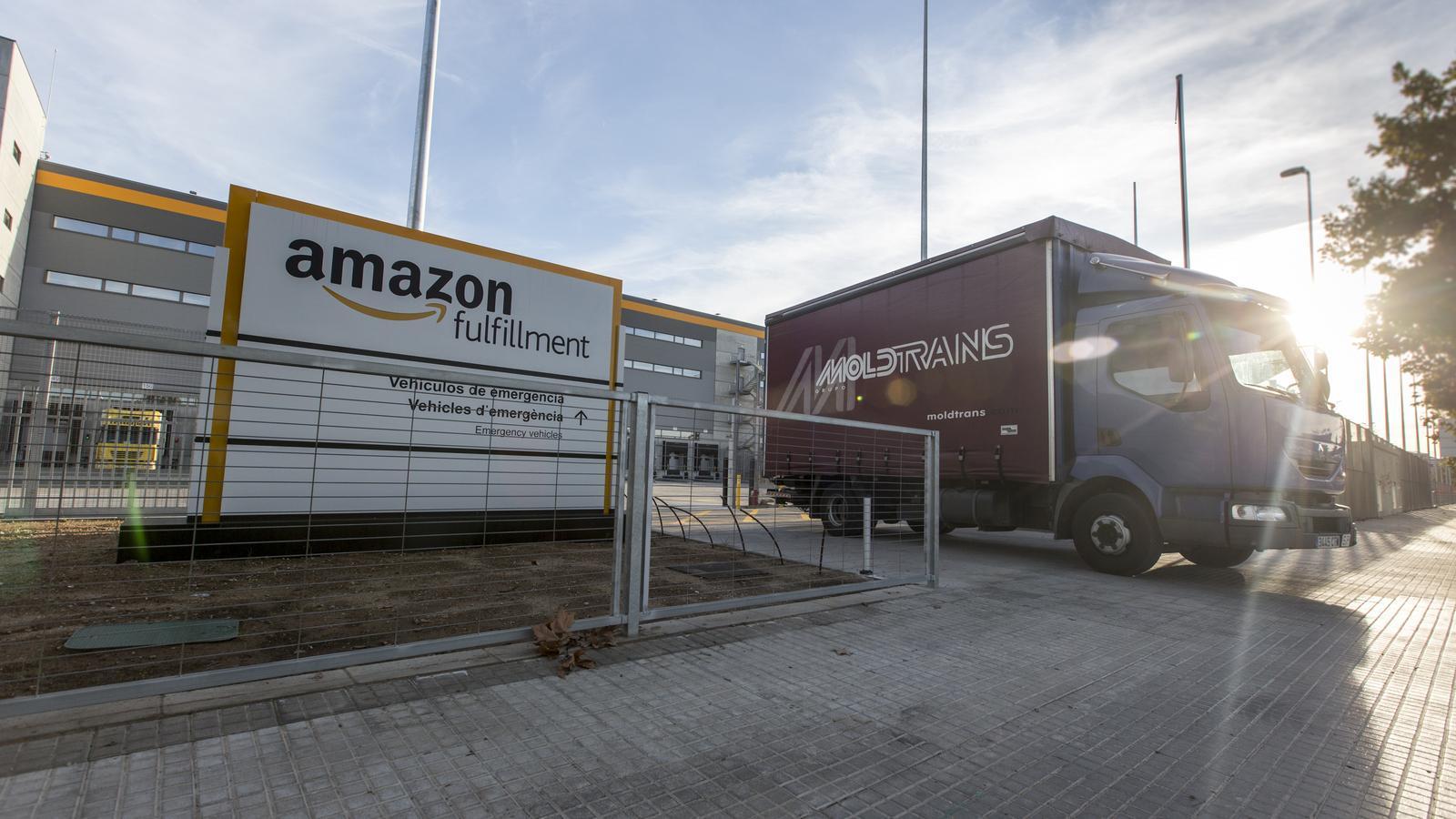 Amazon ja compta amb diversos centres logístics a Catalunya, un dels més grans al Prat.