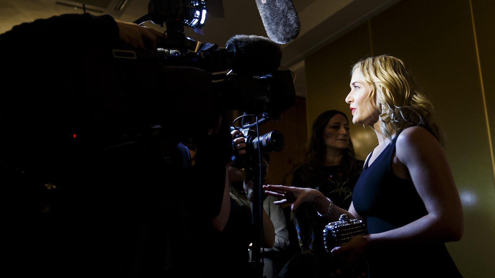 Les 'celebrities' es conjuren per no amagar la realitat del postpart