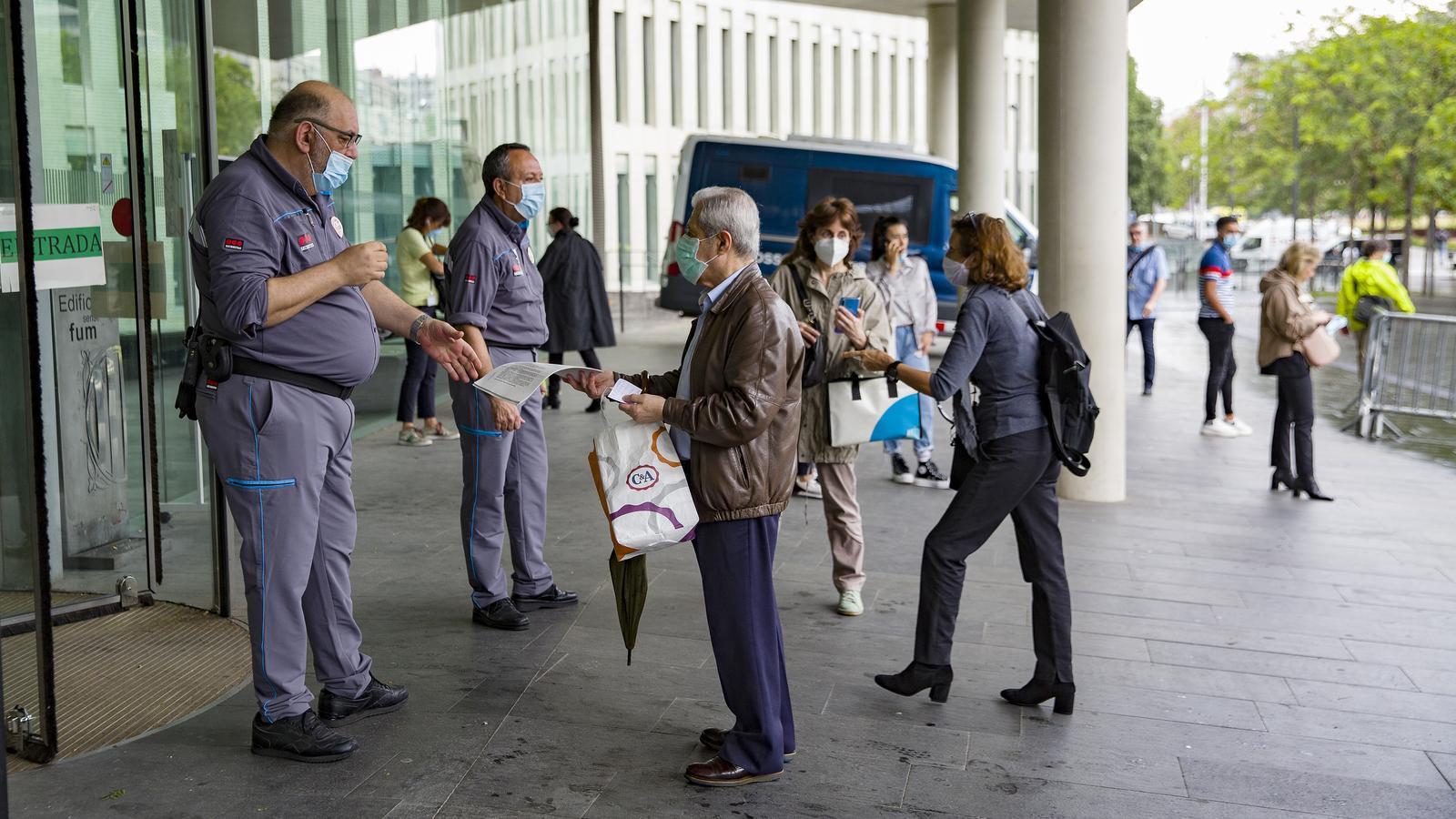 Els accessos a la Ciutat de la Justícia aquest dijous / FRANCESC MELCION