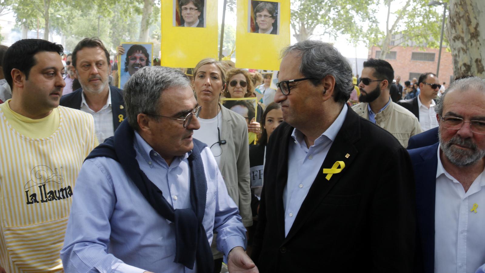 """Torra demana a Ros """"lluitar junts per la llibertat d'expressió"""" i que no criminalitzi els llaços grocs"""