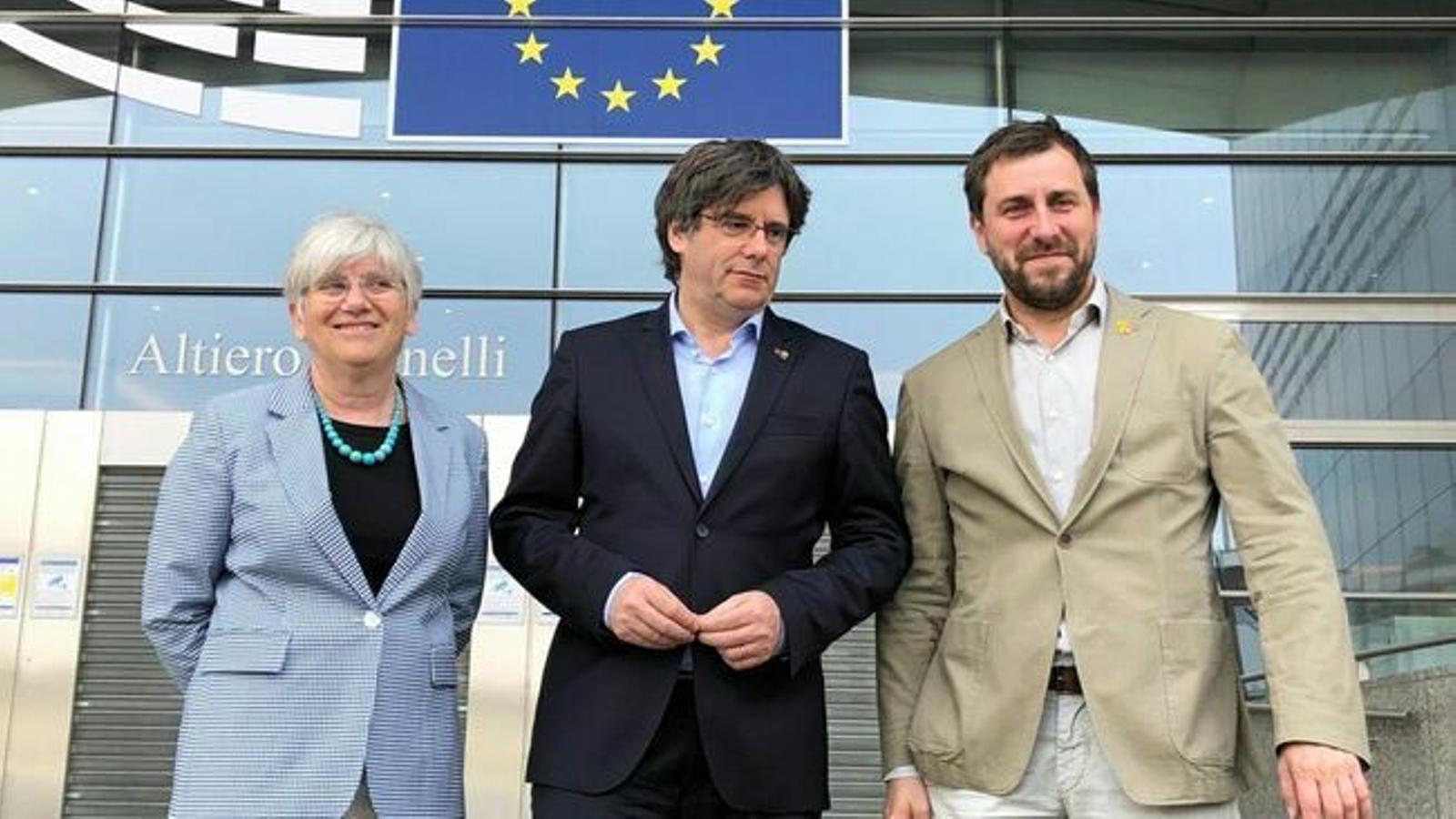 Puigdemont, Comín i Ponsatí insten ERC i la CUP a sumar-se a JxCat en un únic grup parlamentari al Congrés