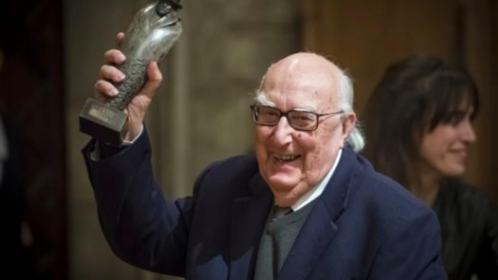 Andrea Camilleri, recull el premi Carvalho, a l'Ajuntament de Barcelona el febrer del 2014
