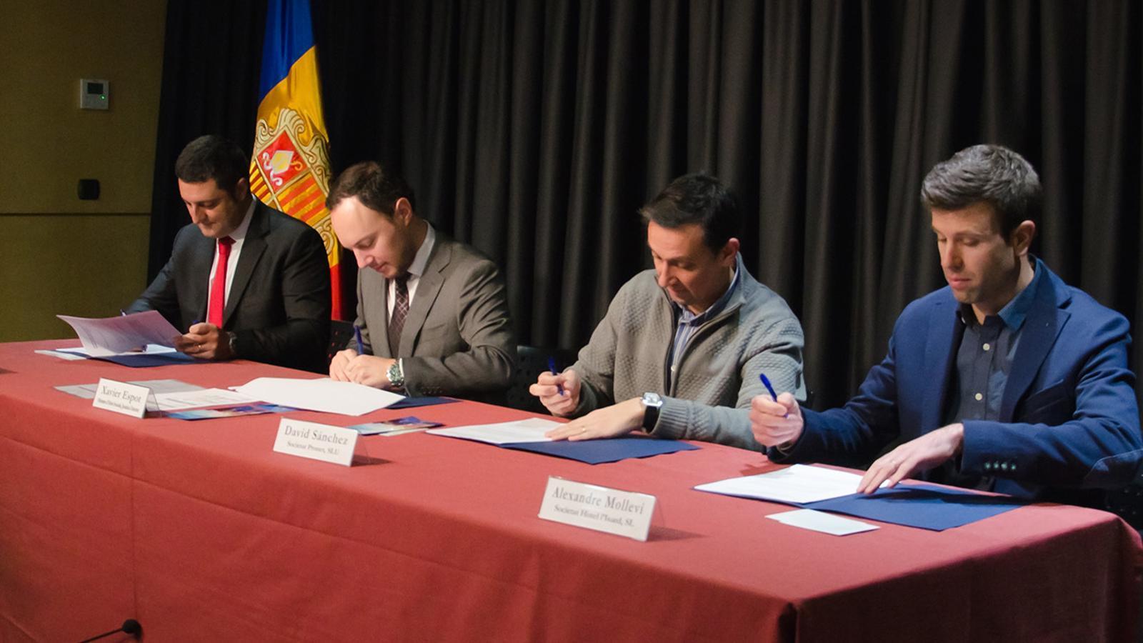 Un moment de la signatura el conveni d'adhesió a la xarxa d'empreses inclusives. . / D. R. (ANA)