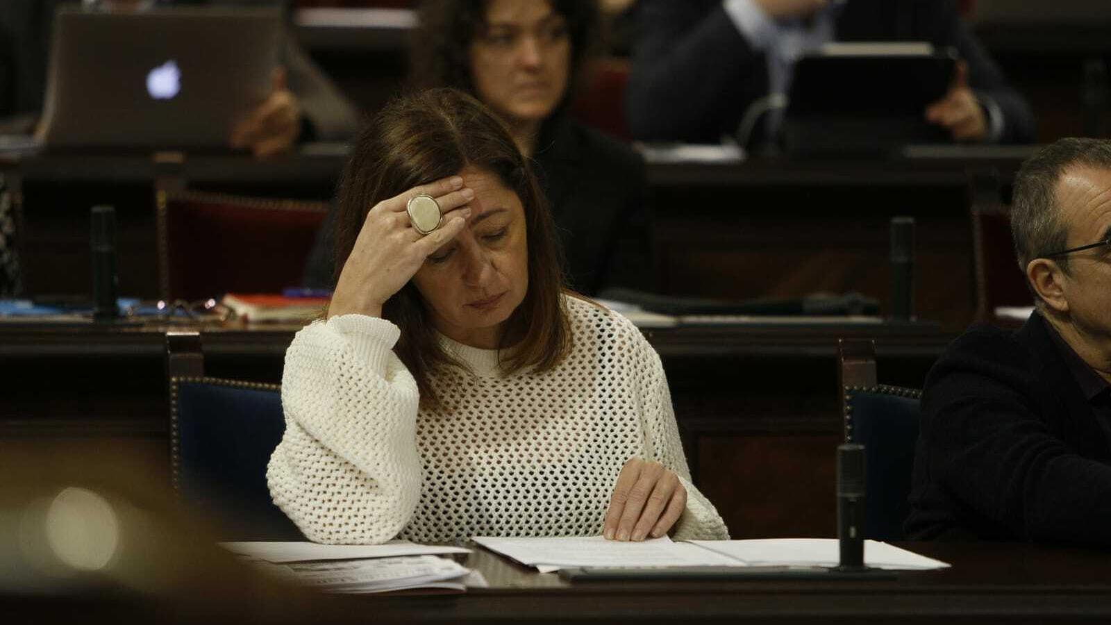 La presidenta del Govern, Francina Armengol, aquest dimarts en el ple del Parlament