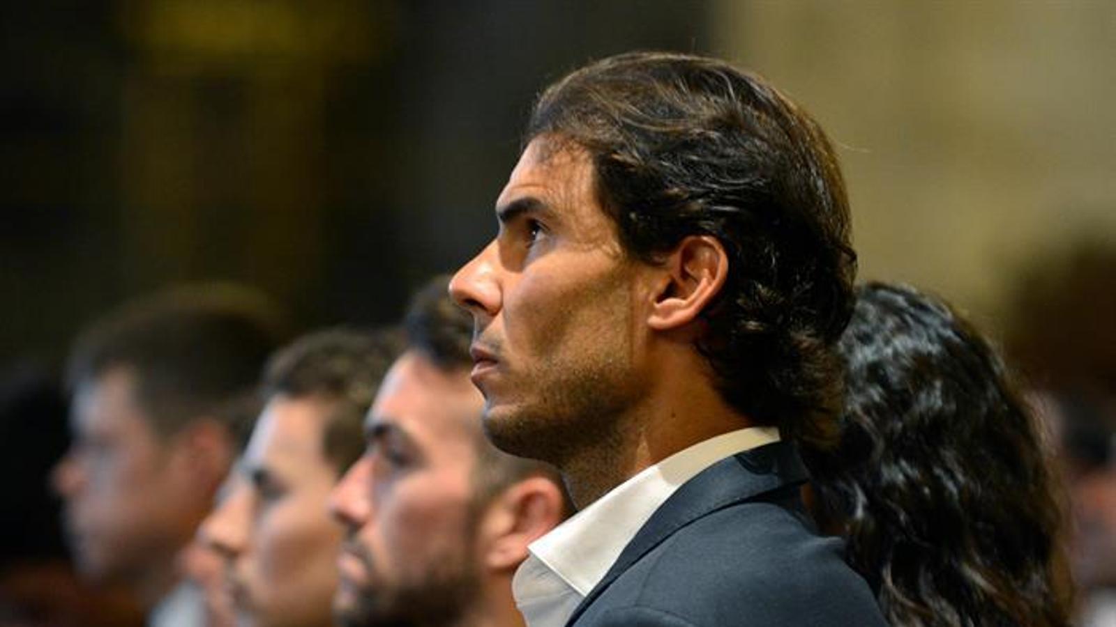 Rafel Nadal, Jorge Lorenzo, Dani Pedrosa o Marc Márquez han assistit al funeral del pilot mallorquí
