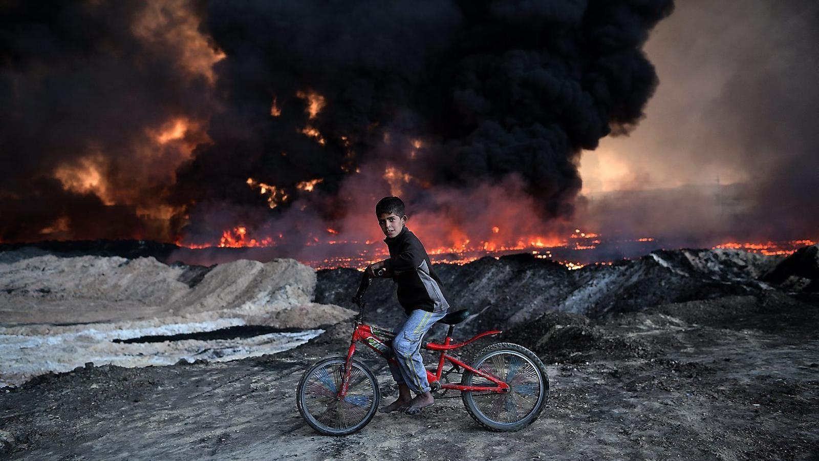 L'Estat Islàmic contraataca  i pren casernes a Kirkuk