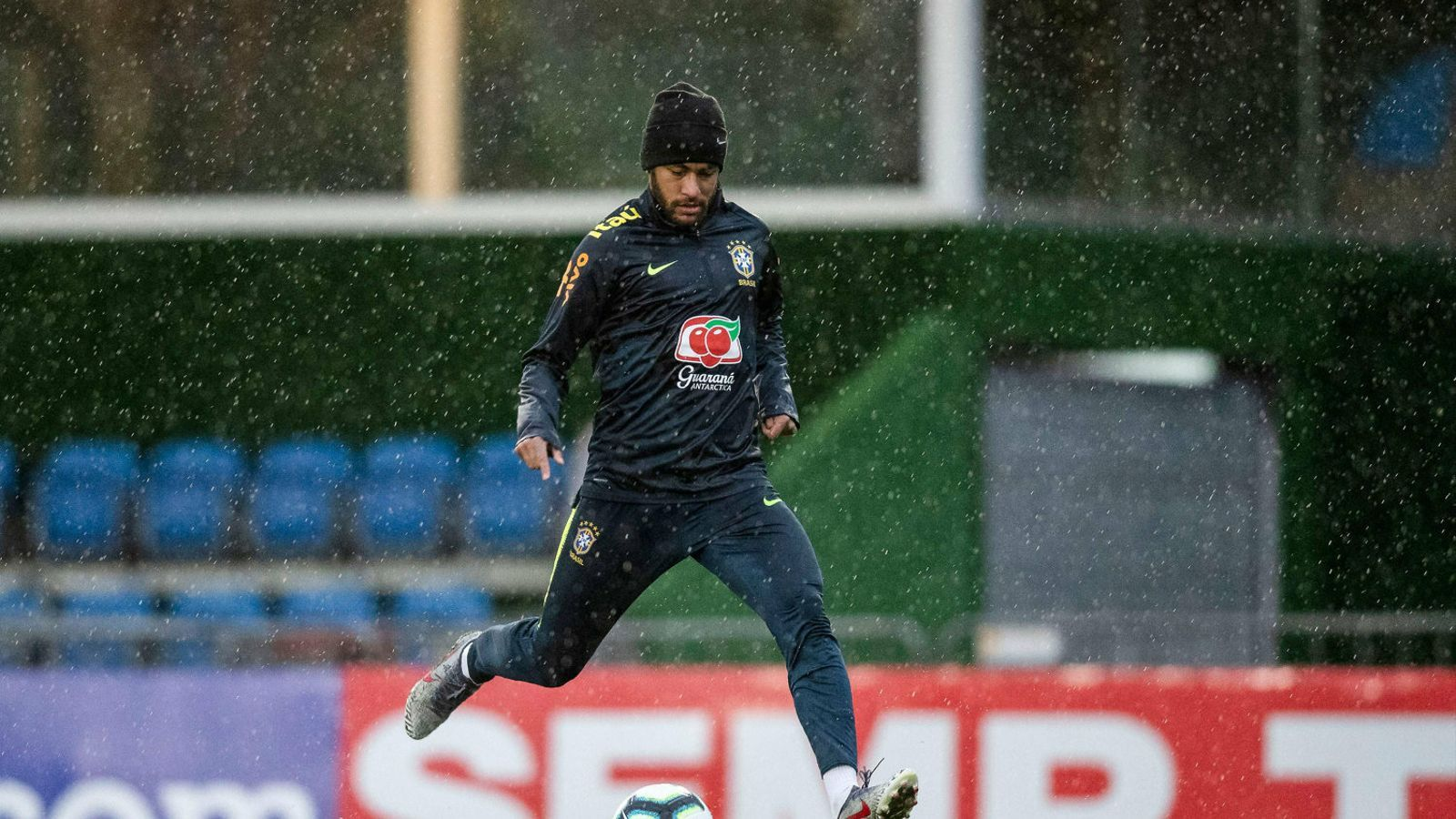 La vida privada asfixia Neymar