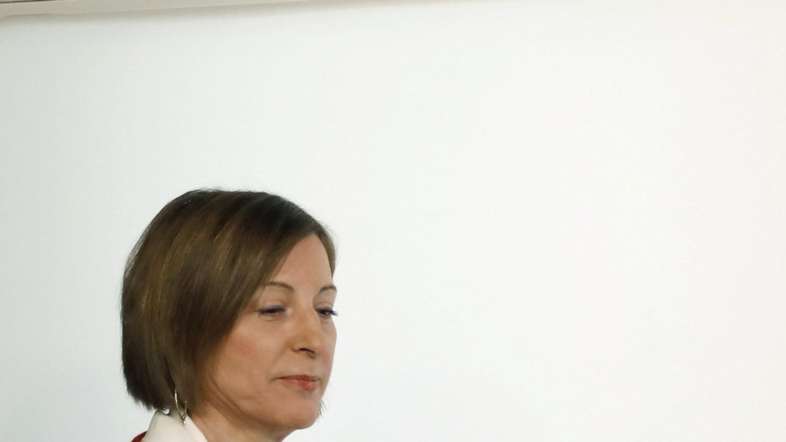 Forcadell deixa la presidència perquè l'assumeixi algú sense causes judicials