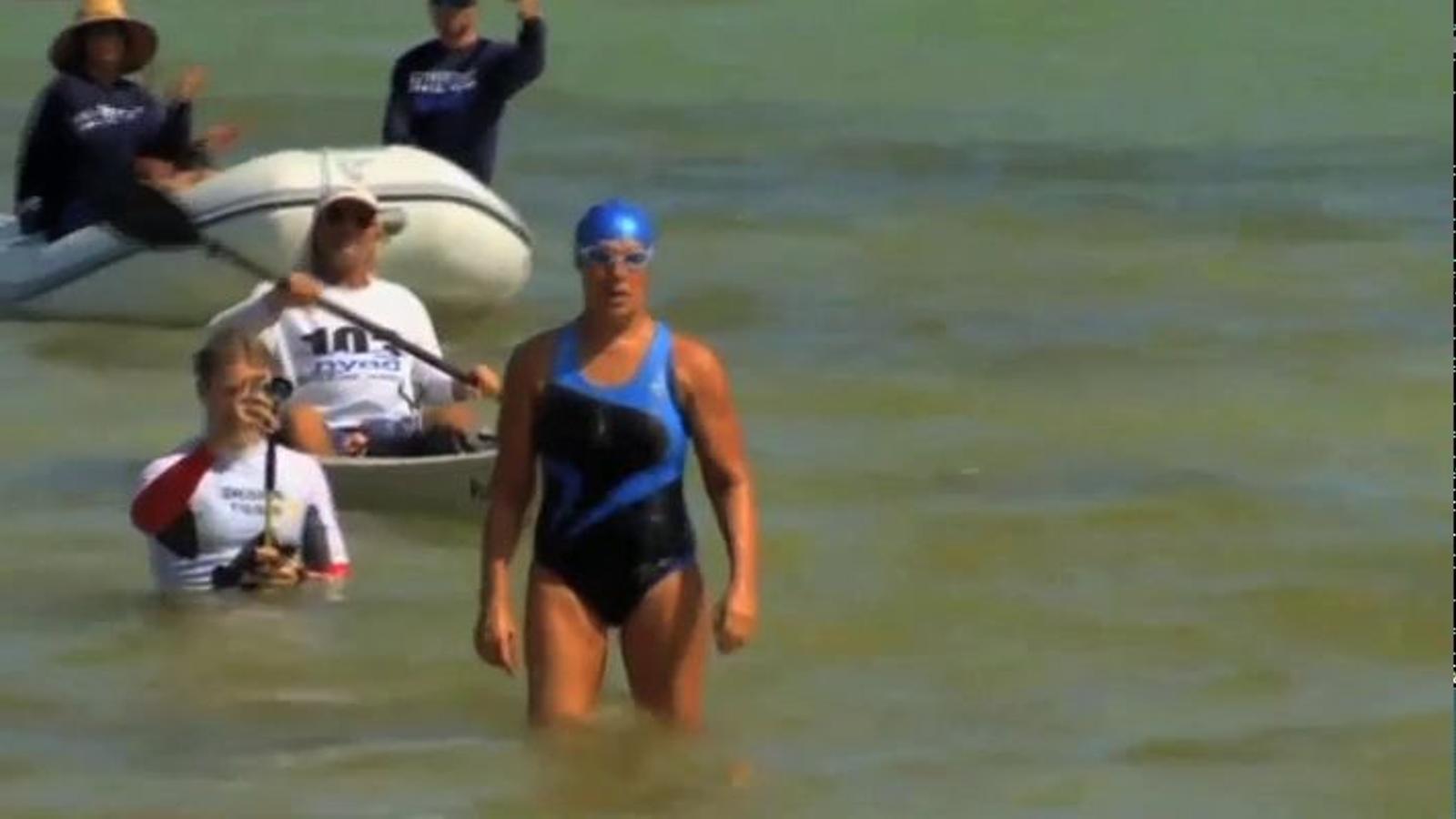 Diana Nyad abandona l'intent de creuar nedant l'estret de Florida