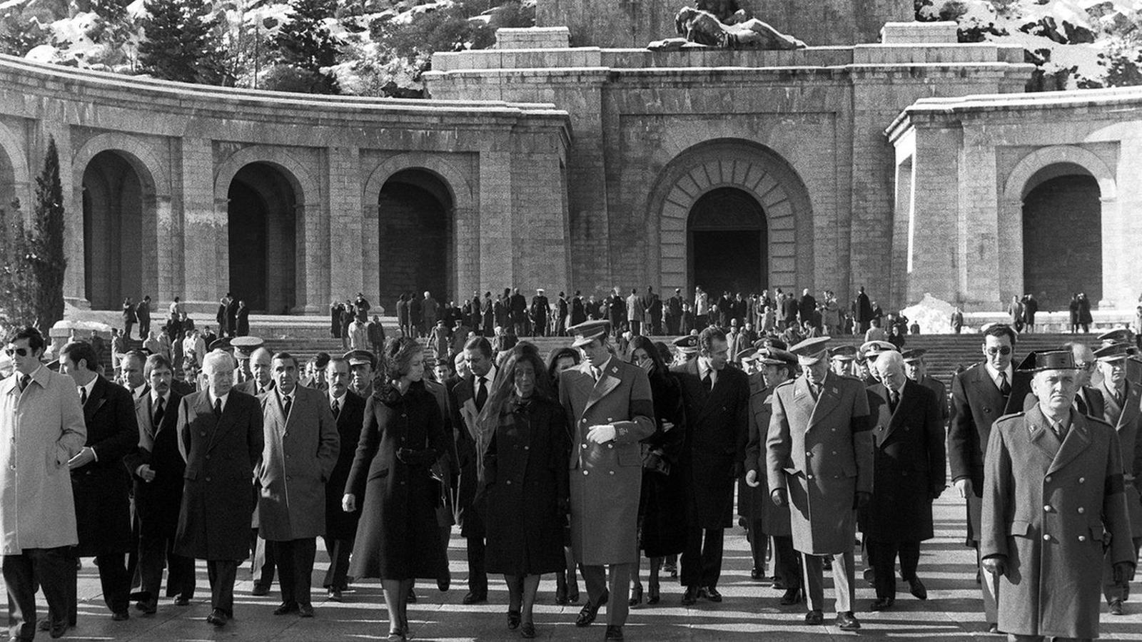 Els Franco volen 21 canonades i set 'Viva España' pel seu avi