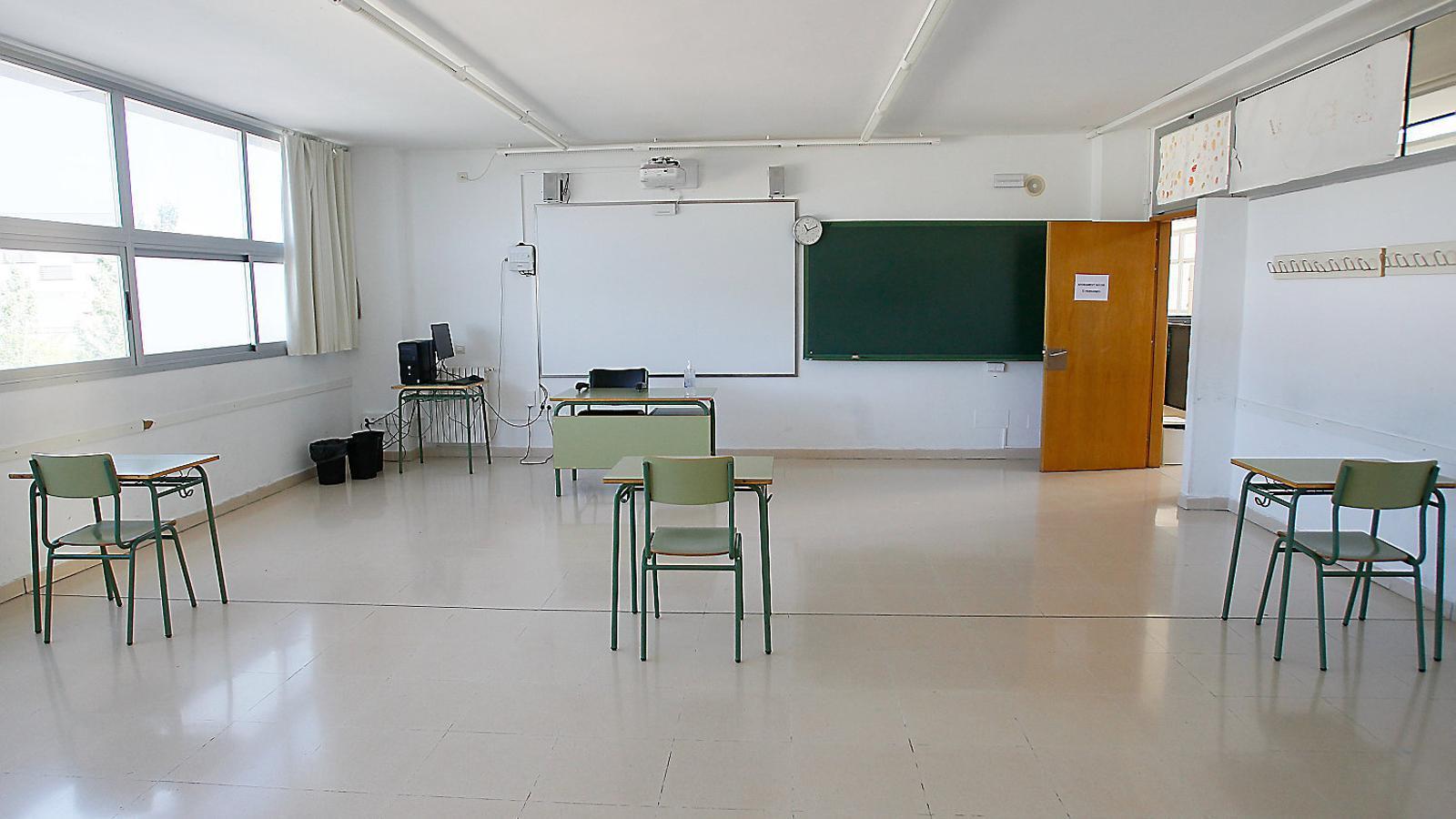 El retorn a les aules preveu tres escenaris i deu novetats