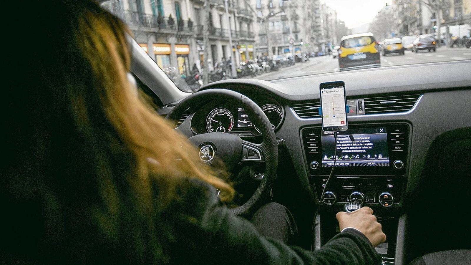 Els taxistes balears consideren que el decret que els blinda arriba tard