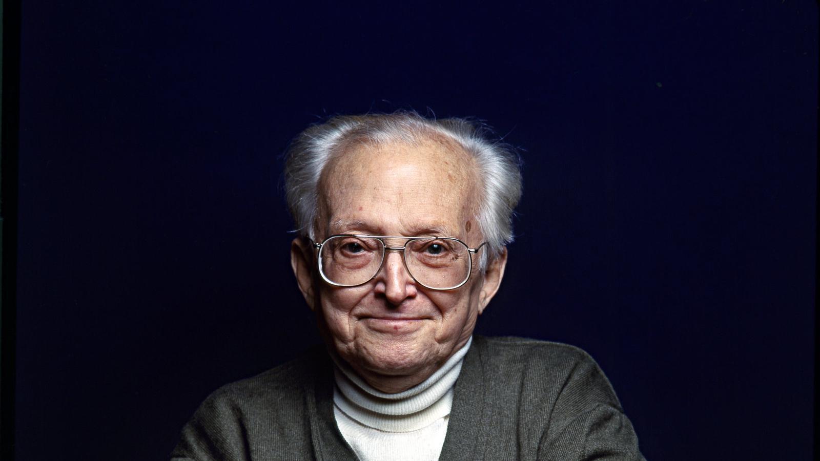 Pere Calders (1912-1994), un dels grans autors de la literatura catalana del segle XX, no va perdre mai el somriure.