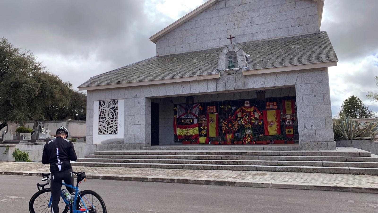 ¿La tomba de Franco també és memòria històrica?