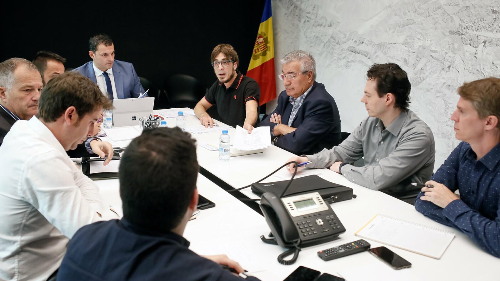 La reunió entre el Govern i les empreses adjudicatàries del servei de transport nacional. SFG