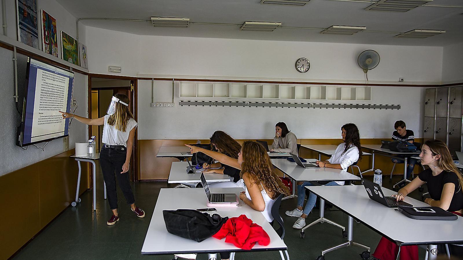 """Alerta dels instituts: """"Les ràtios no són les que haurien de ser"""""""