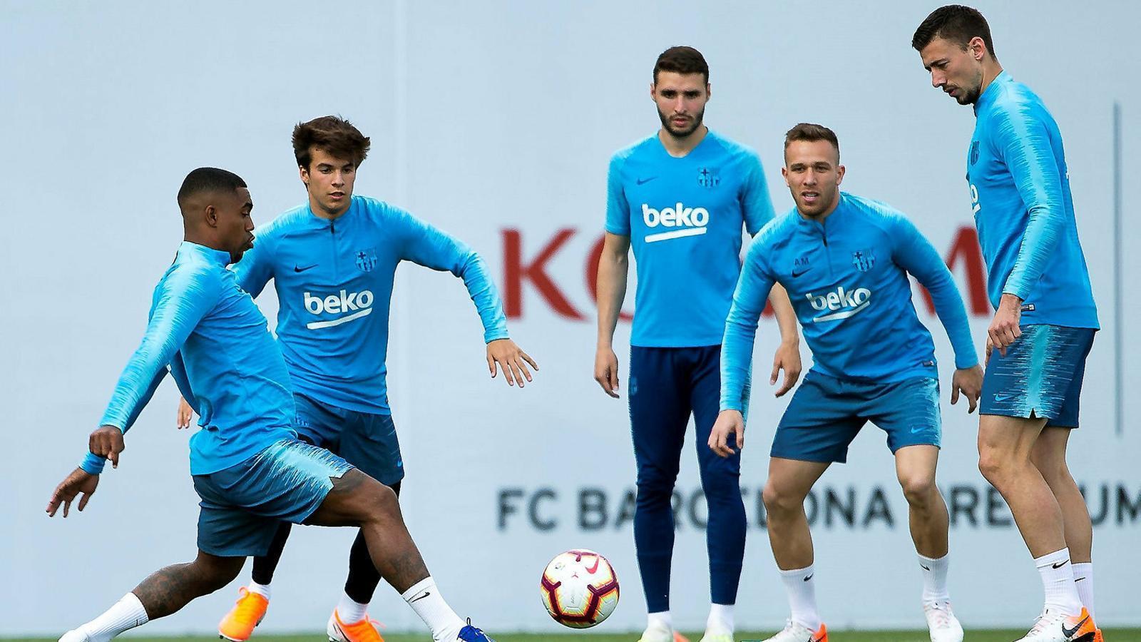 Malcom, Riqui Puig, Abel Ruiz, Arthur i Lenglet ahir.