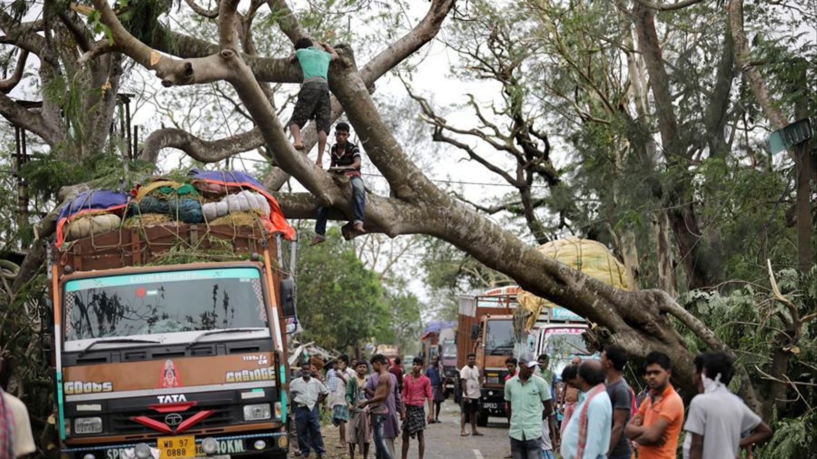 Bona part de Bengala s'ha quedat sense electricitat