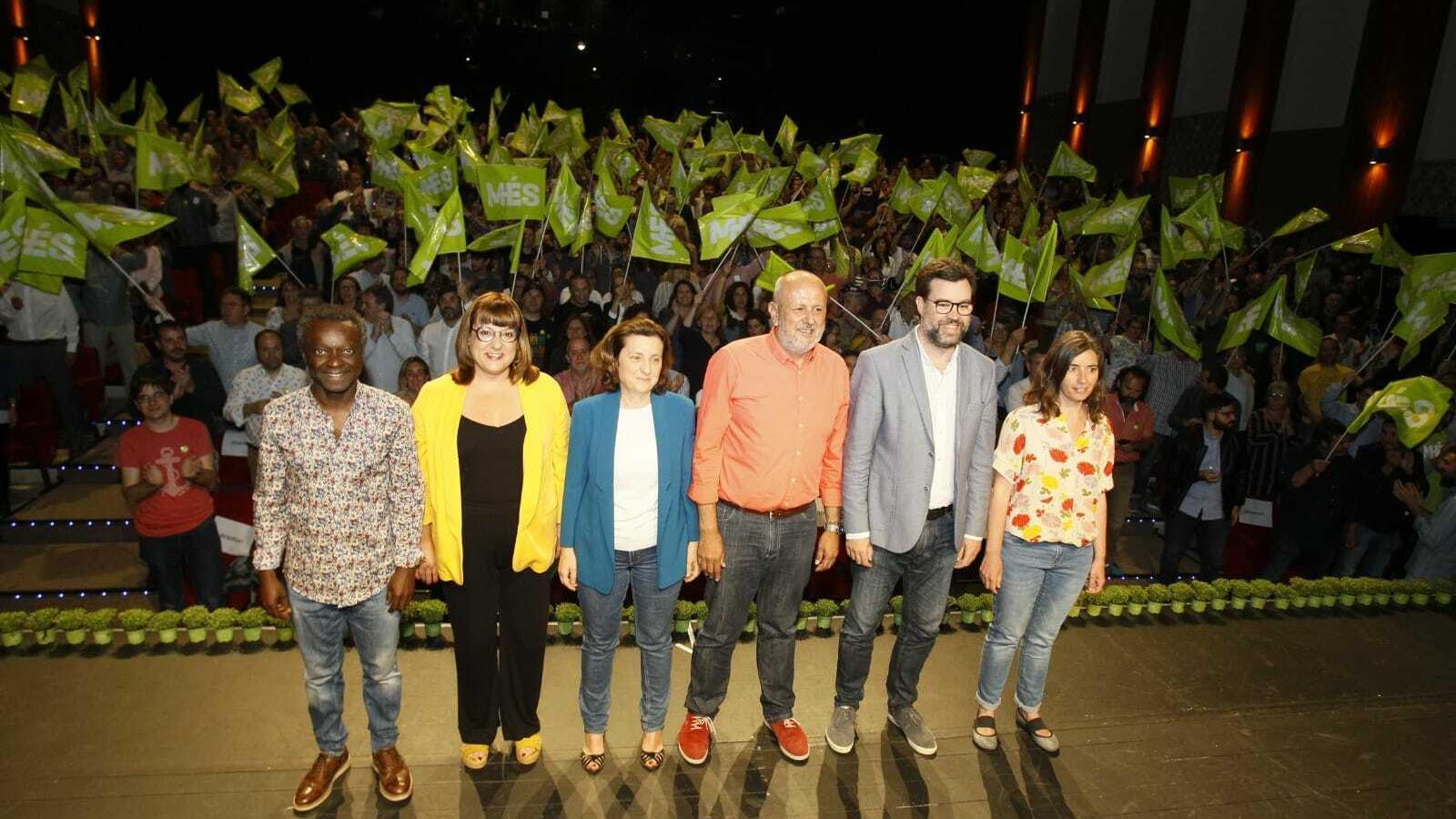 Imatge de l'acte central de campanya de MÉS al Trui Teatre