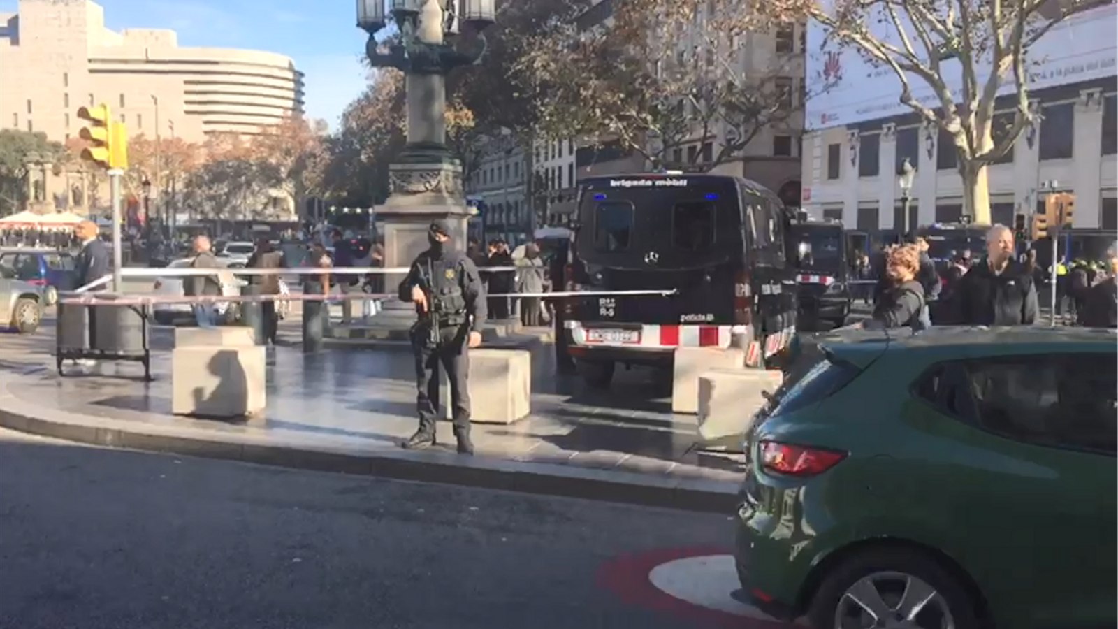 Reforcen la vigilància al centre de Barcelona per l'amenaça terrorista