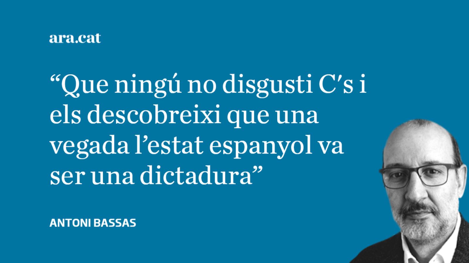 """Arrimadas i """"Francisco Franco, jefe del estado español"""""""