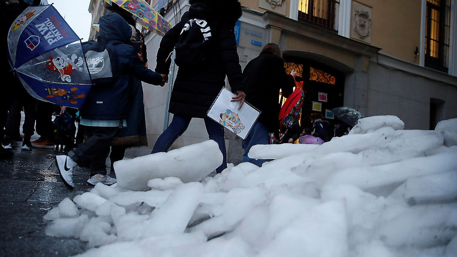 Les seqüeles de la nevada retraten la gestió de Madrid