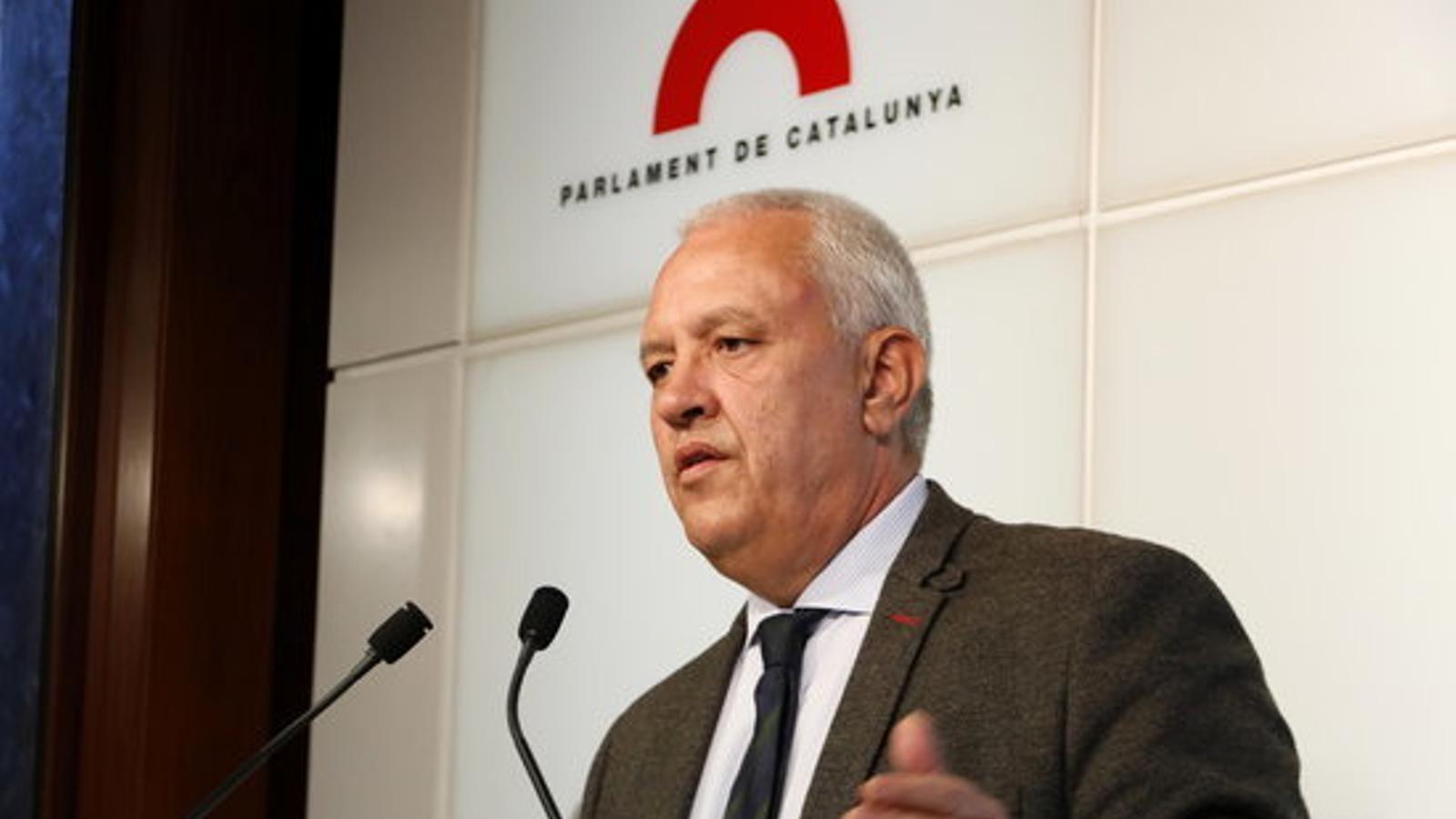 El portaveu del PP, Santi Rodríguez, en roda de premsa al Parlament