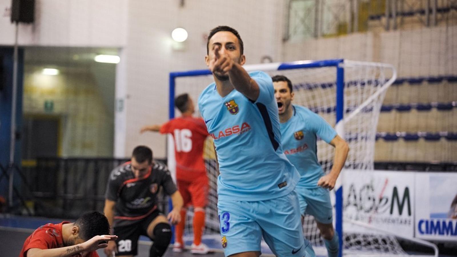 Joselito, celebrant el gol de la victòria contra l'Ekonomac