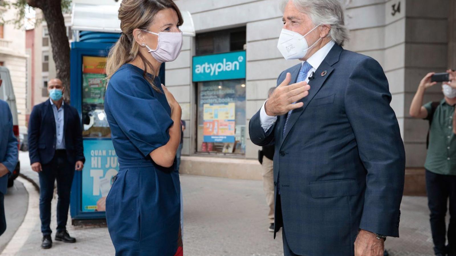 La ministra Yolanda Díaz i el president de Foment, Josep Sánchez Llibre, avui a Barcelona.