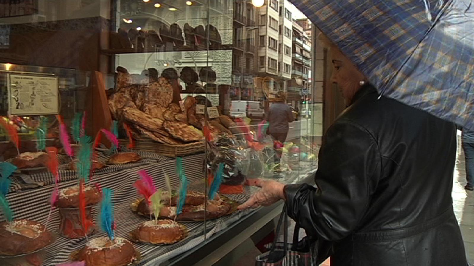 Vosaltres què compreu per Setmana Santa: xocolata, cristines o panades mallorquines?