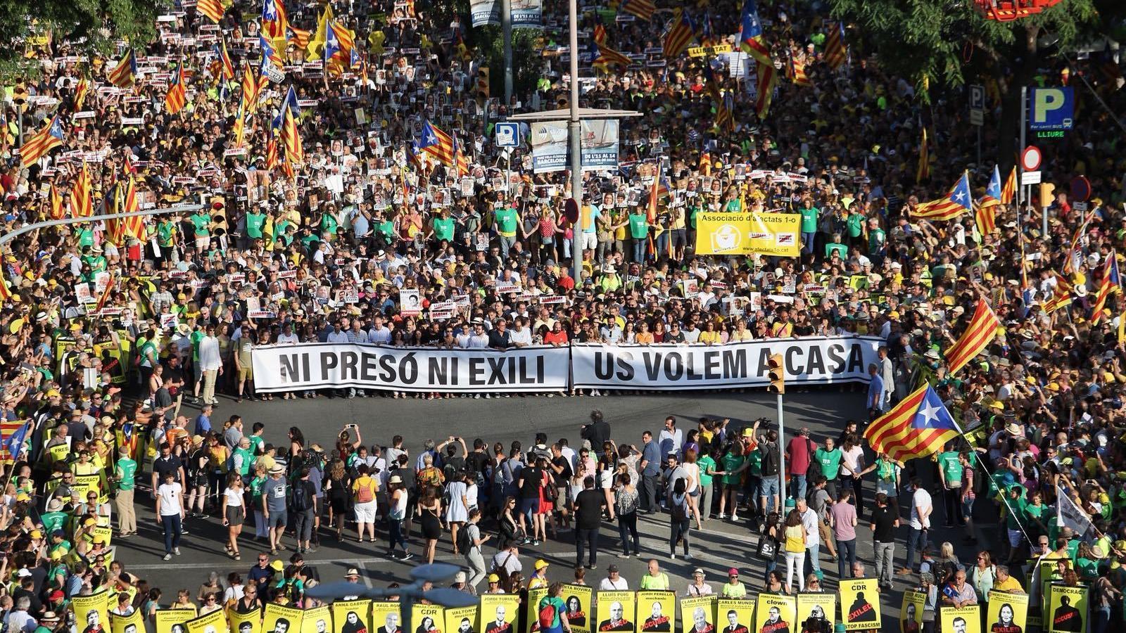 https://www.ara.cat/2018/07/14/imatges/manifestacio-llibertat-dels-presos_2051205170_55350677_735x341.jpg