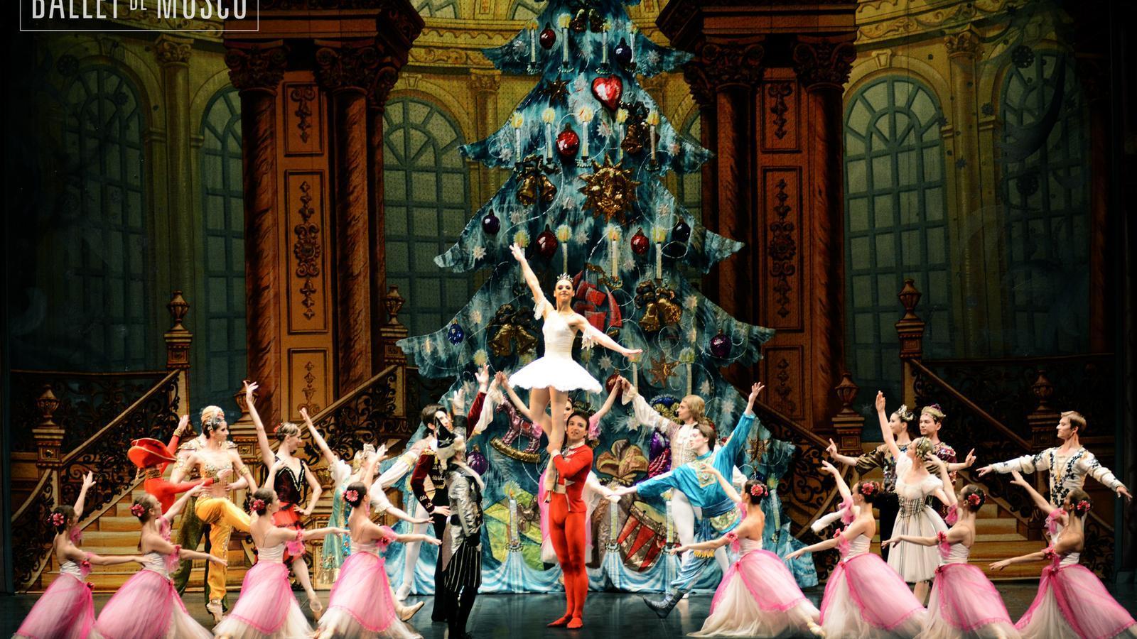 Obra 'El Trencanous' interpretada pel Ballet de Moscou. / BALLET DE MOSCOU