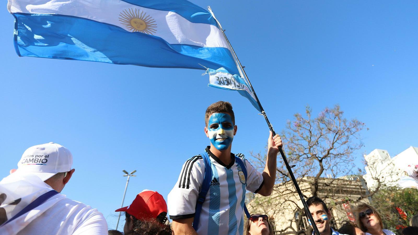 L'Argentina vota sota la pitjor crisi econòmica
