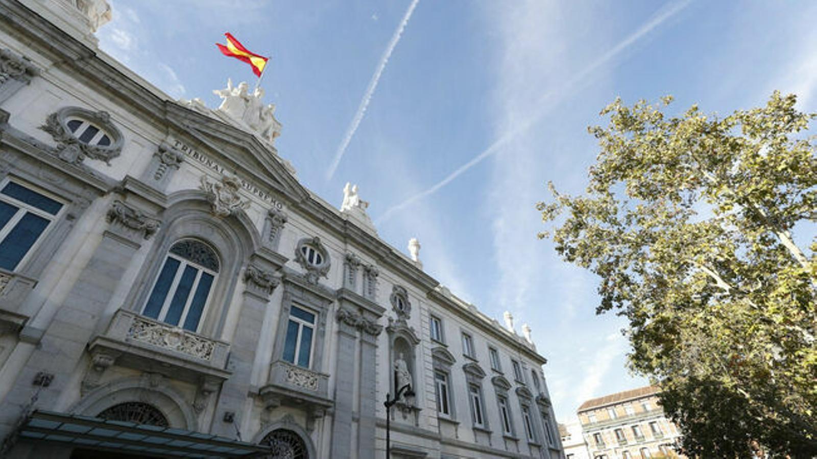 El Tribunal Suprem també ha defensat la compatibilitat entre el sector públic i el privat.