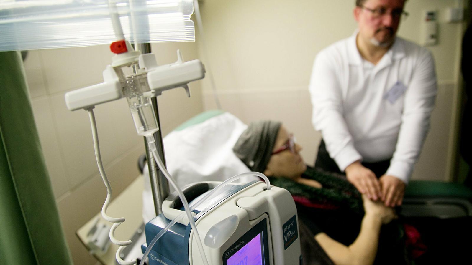 Veto a les teràpies de reiki en hospitals públics catalans