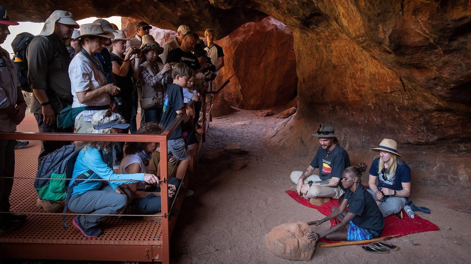 250 anys  de colonització, l'Austràlia blanca té un debat pendent