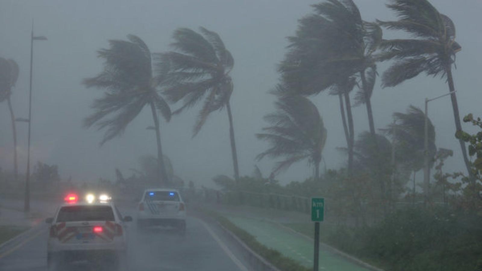 L''Irma' ja colpeja una Florida tancada a casa