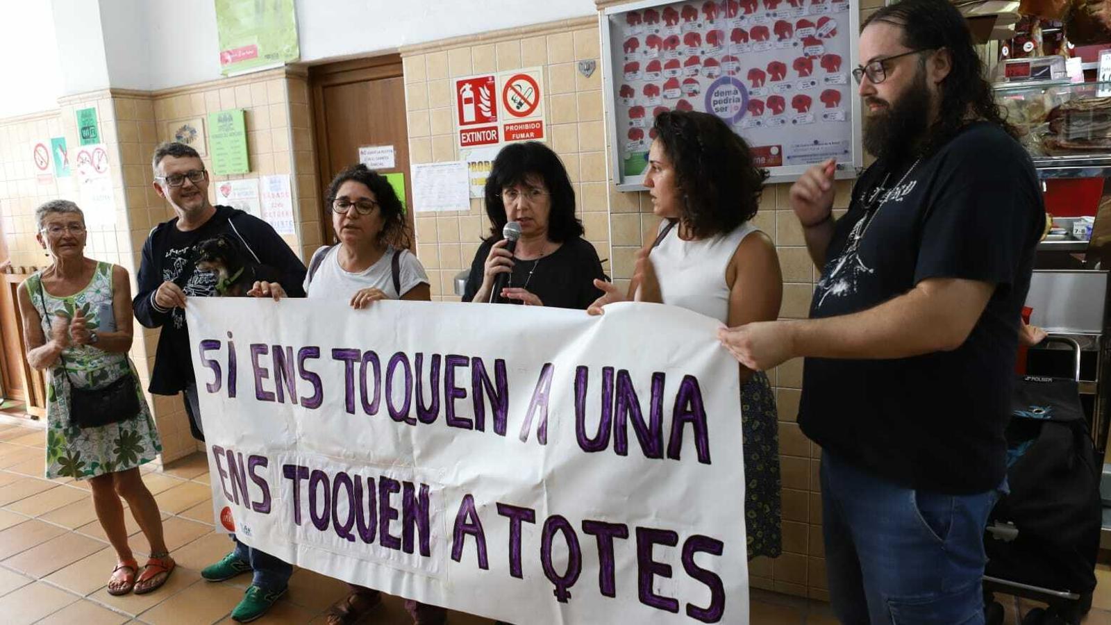 Acte de protesta contra la violència masclista a Pere Garau