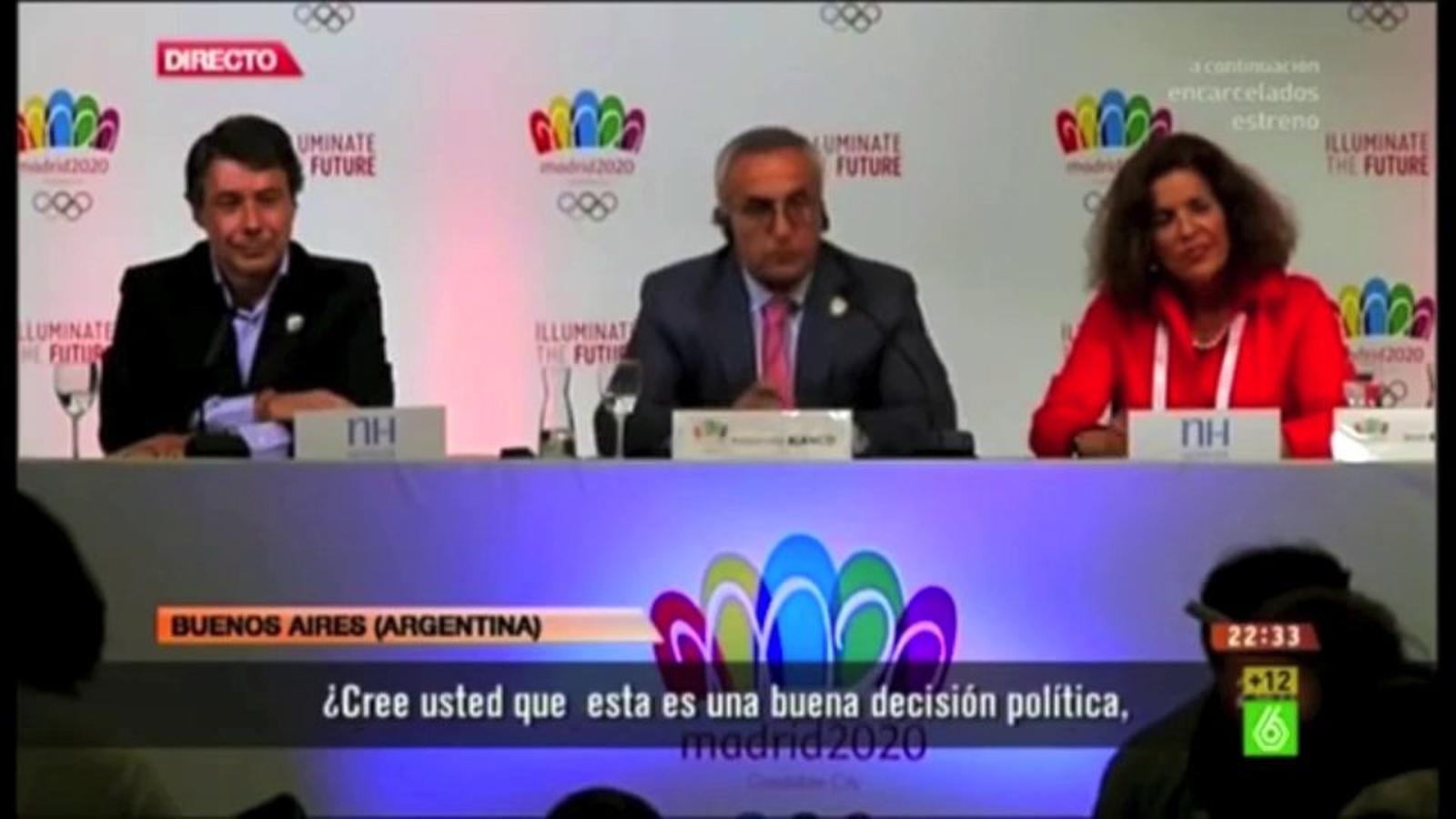 L'alcaldessa de Madrid, Ana Botella, s'embolica amb l'anglès a l'hora de respondre la pregunta d'un periodista a Buenos Aires