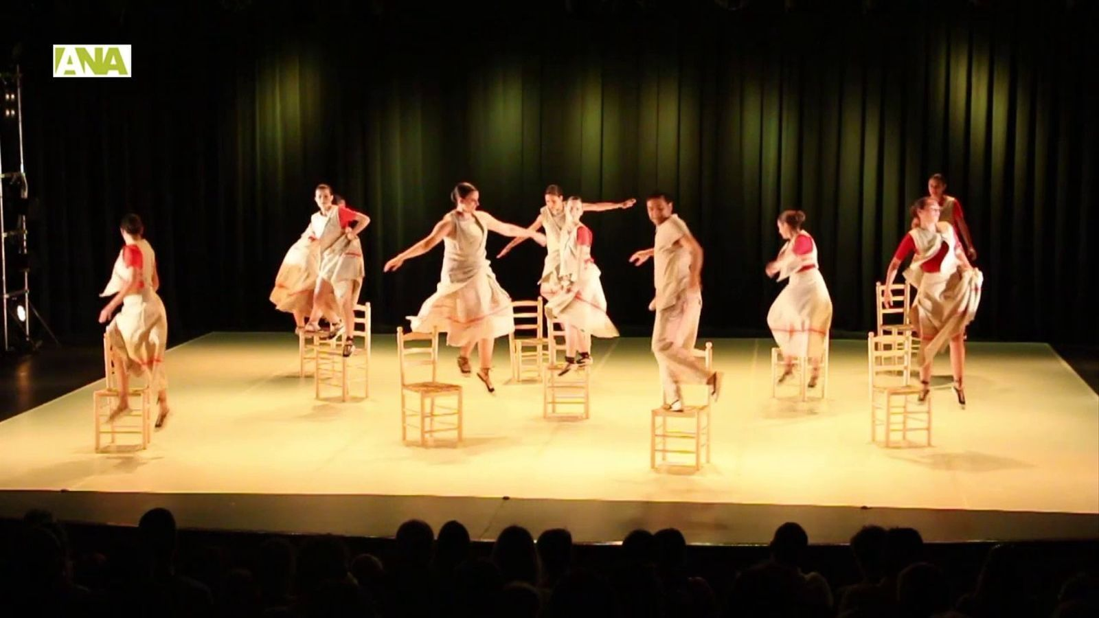 L'espectacle 'Mimetismes' de l'Esbart Sant Romà